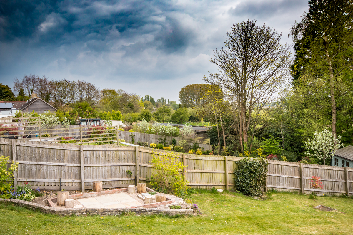 Large holiday cottage in Dorset with log burner dining garden view