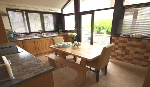 holiday cottage in lulworth cove kitchen