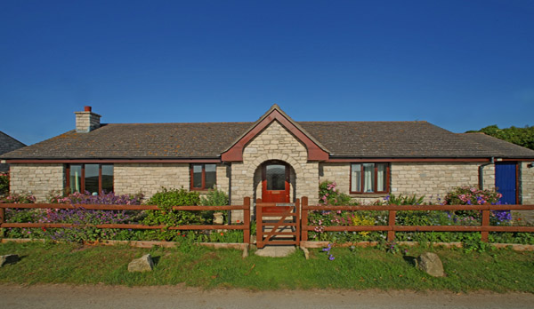 cottage to rent in worth matravers external view
