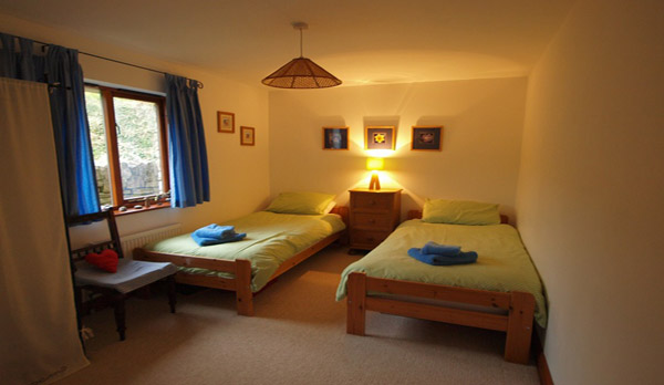 cottage to rent in worth matravers twin room