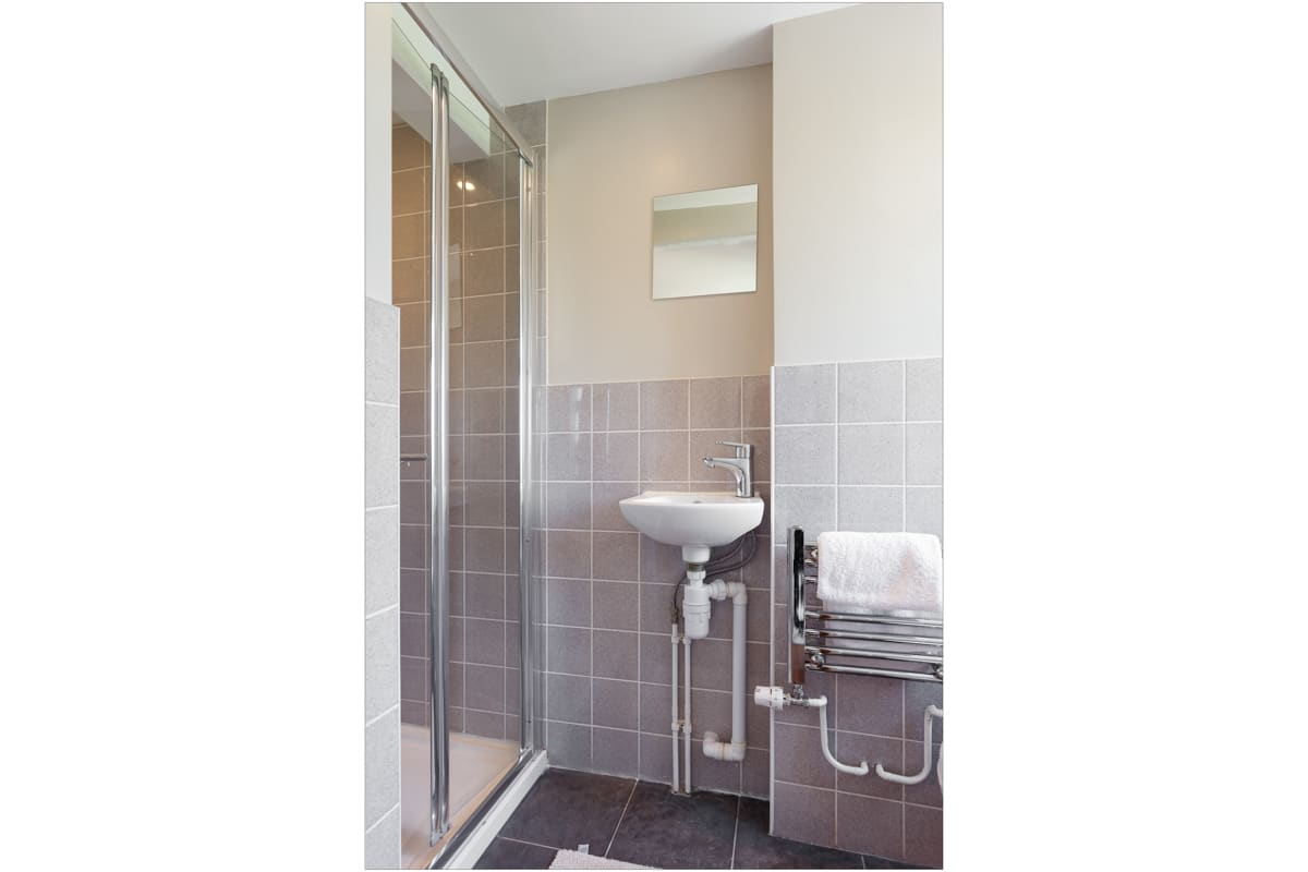 holiday home with sea views bathroom 2