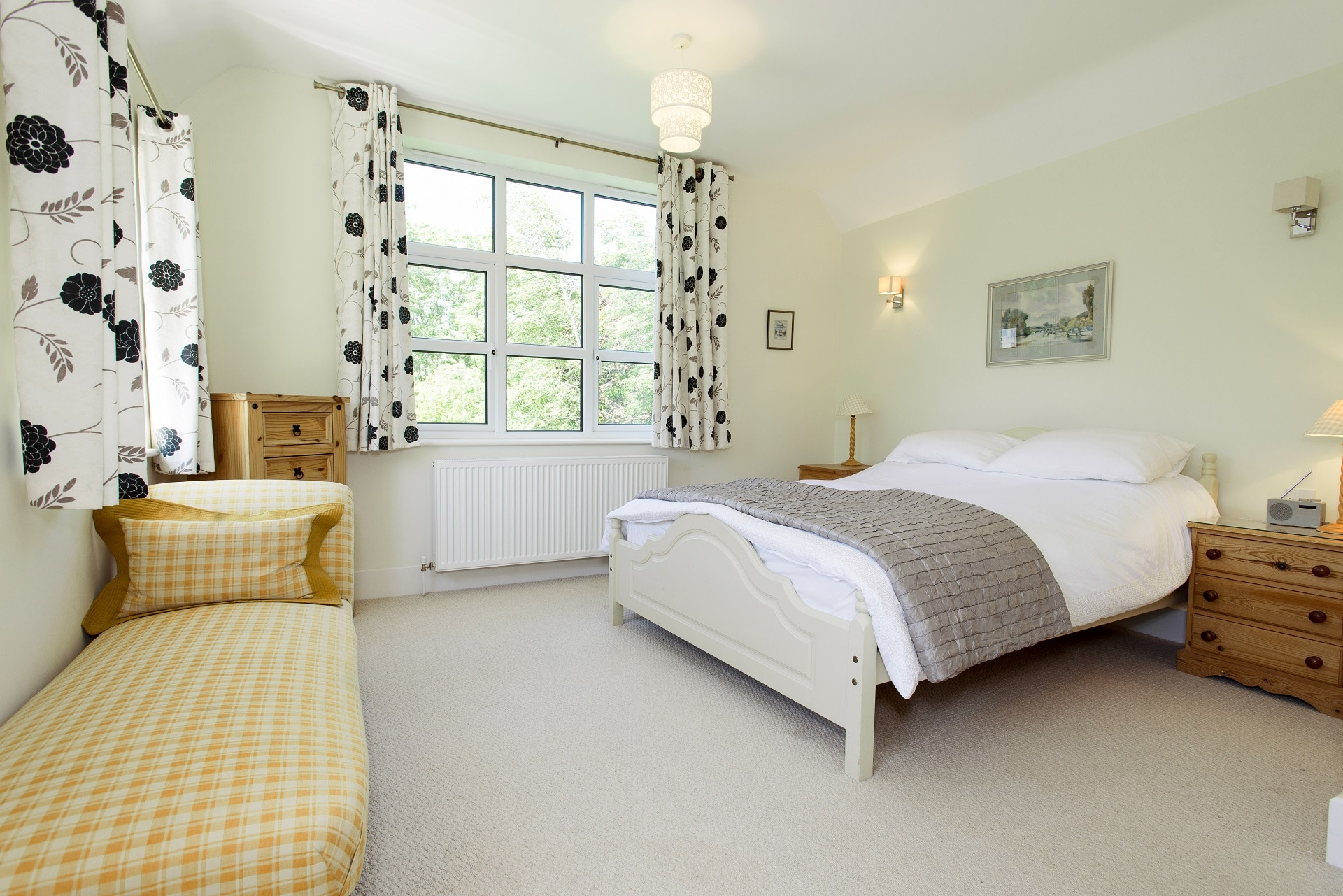 fabulous holiday home in church knowle master bedroom