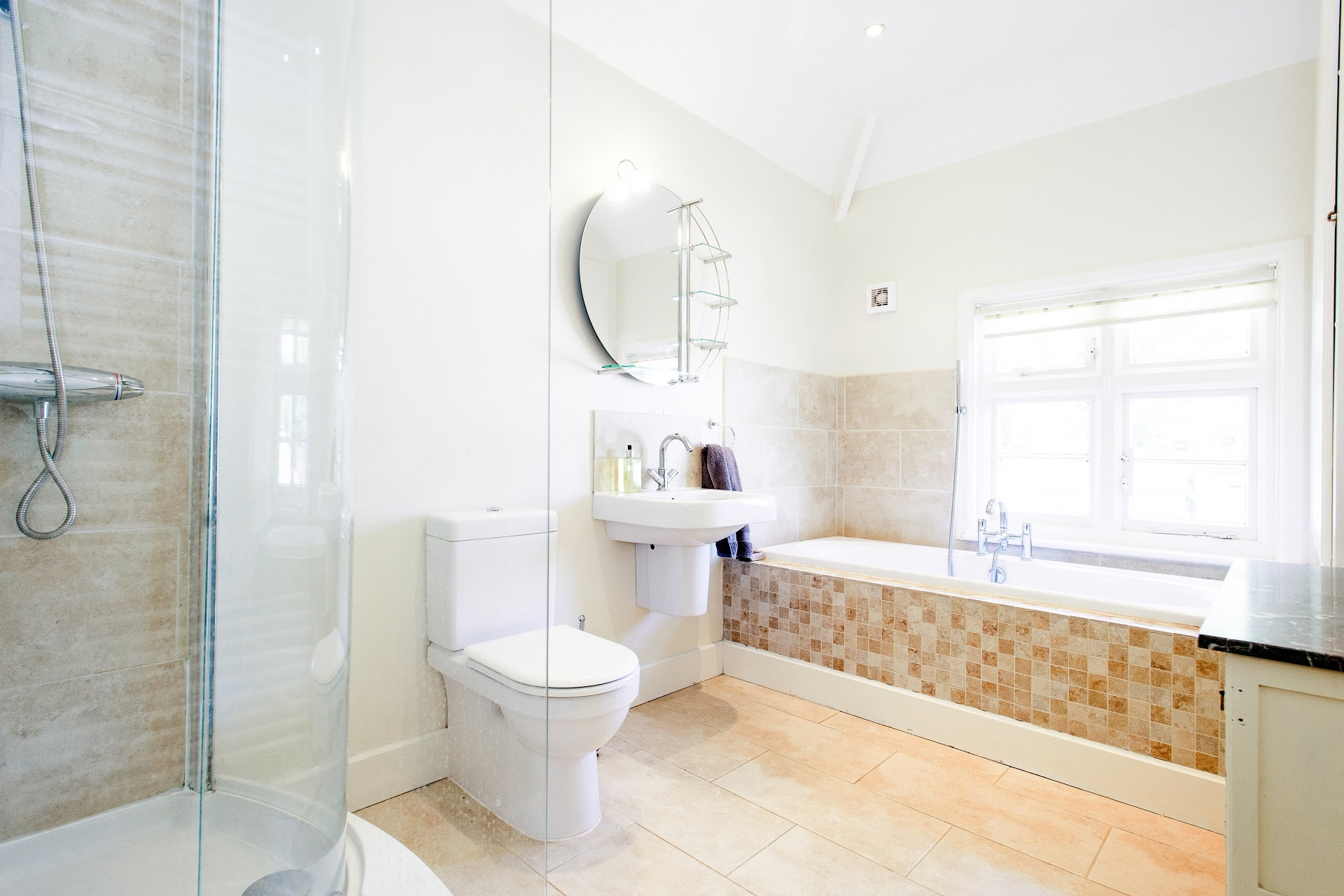 fabulous holiday home in church knowle bathroom