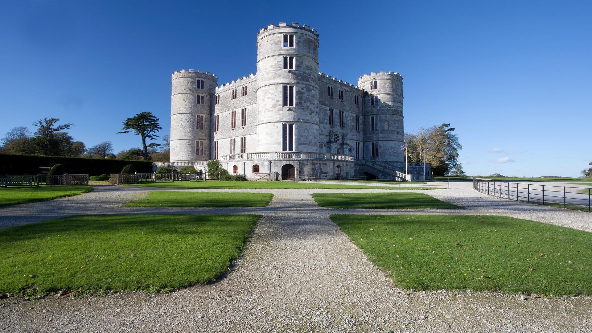visit lulworth castle
